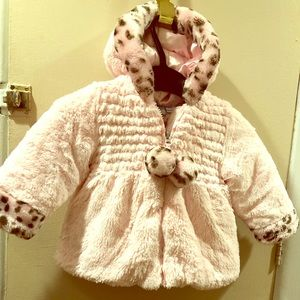 Bob Bebe toddler girls size 12M pink furry coat